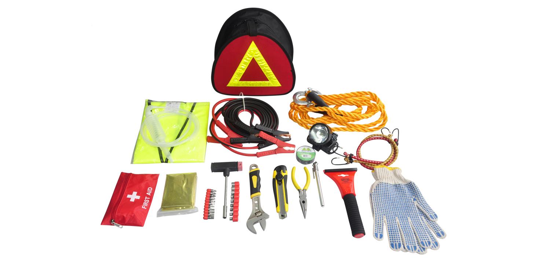 Notfallausrüstung am Straßenrand